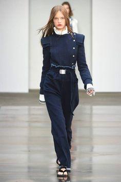 Philosophy di Lorenzo Serafini Spring 2018 Ready-to-Wear Fashion Show - Faretta Classy Work Outfits, Pretty Outfits, Chic Outfits, Fashion Outfits, Fashion Line, Denim Fashion, High Fashion, Fashion Show, Haute Couture Style