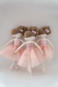 original design and handmade rag art dolls by lassandaliasdeana Softies, Peg Doll, Ballerina Doll, Fabric Toys, Sewing Dolls, Fairy Dolls, Soft Dolls, Cute Dolls, Diy Toys