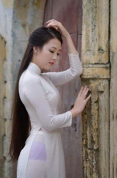 Beautiful Long Dresses, Vietnamese Dress, Ao Dai, Sexy Asian Girls, White Girls, Indian Actresses, Asian Beauty, Cool Girl, Long Hair