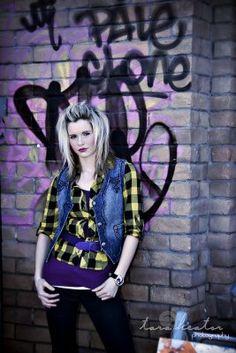 <3 graffiti wall