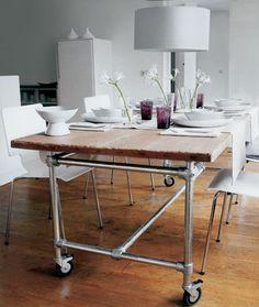 Τραπέζι τροχήλατο με σωλήνες σκαλωσιάς