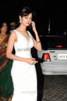Shanvi at 60 Idea Film Fare Awards