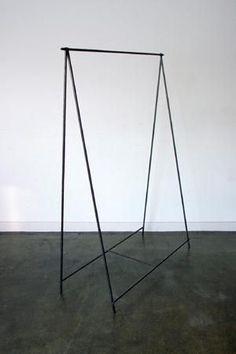 ハンガー 天井からの吊りとデザイン揃えるか?購入?