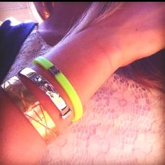 Cara wears the African Bronze, The Cuff, and the Lime Jelly to Raise Awareness #UntilTheresACure