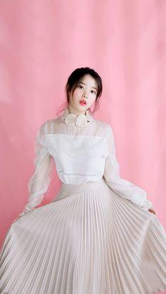 K-Pop Babe Pics – Photos of every single female singer in Korean Pop Music (K-Pop) Iu Fashion, Korean Fashion, Korean Celebrities, Celebs, Korean Girl, Asian Girl, Korean Actresses, Korean Beauty, Korean Singer