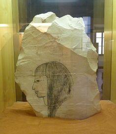 Ostrakon (galet ou morceau de pierre sur lequel les égyptiens dessinaient) représentant probablement Sethi 1er - XIX ème dynastie - Musée archéologique de Florence