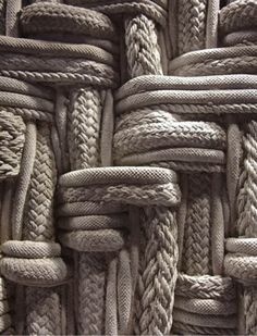 Love the texture/pattern these ropes create.