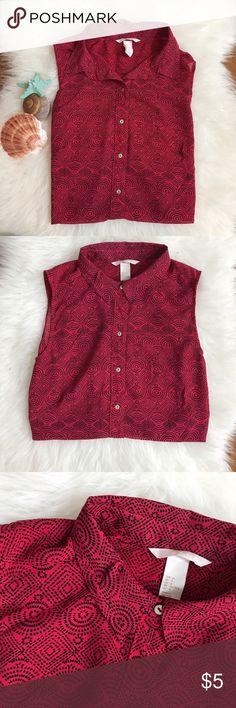 H&M shirt💓Cheek out my closet for  great deals Check out my closet for great deals on handbags!💖💖💖 H&M Tops Button Down Shirts