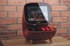 Retro game manufacturer has unveiled Desktop Arcade Joy Stick, a wooden… Retro Arcade Machine, Retro Arcade Games, Mini Arcade, Arcade Bartop, Arcade Joystick, Arcade Game Console, Diy Arcade Cabinet, 8 Bits, Retro Video Games