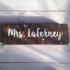 Teacher Desk Signs – Page 2 – Lillou Handmade Teacher Name Signs, Last Name Signs, Classroom Signs, Classroom Decor, Painted Wood Signs, Teacher Appreciation Gifts, How To Know, Painting On Wood, Desk