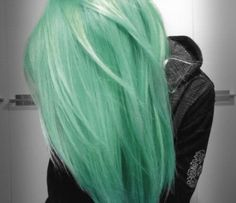 i actually really like this light green hair. not that i would do it but it looks nice. maybe i could do some streaks of this color, with the rest of my hair a light light blonde :) Mint Green Hair, Mint Hair, Green Nail, Blue Green, Baby Pink Hair, Green Shades, Purple Hair, Pink Girl, Love Hair