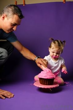 1st birthday cake smash idea - don't forget to take memorable photos #firstbirthday #party