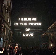 Eu acredito no poder do amor - STEFANY