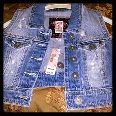 """""""REDUCED""""  NWT  Denim Jean Cropped Vest Jacket Top Price Firm - New Jean Vest Jacket.  Top to bottom from neck to longest part.  It has five riveted bottoms at the front & extra bottom in case you lost any. Please be advised that Top or Jeans are NOT part of the auction.  It's only for illustrative purposes.  Thanks and Happy Shopping  ! ! ! Decree Other"""