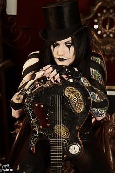 Jinxx from Black Veil Brides with a steampunk guitar Black Viel Brides, Black Veil Brides Andy, Jinxx Bvb, Vail Bride, We Are The Fallen, Andy Black, Falling In Reverse, Motionless In White, Andy Biersack