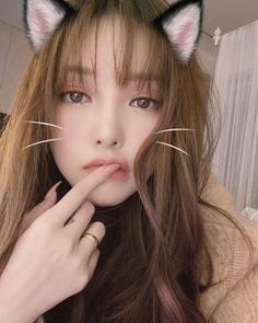 Pony Korean, Korean Girl, Asian Cute, Beautiful Asian Girls, Ulzzang Fashion, Ulzzang Girl, Park Hye Min, Pony Makeup, Teen Photography Poses