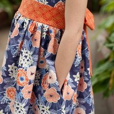 Learn how to add an inseam pocket to any dress pattern. Because, seriously, don't all of our skirts and dresses need pockets?