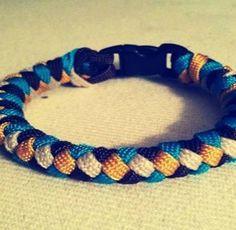4-Strand Paracord Survival Bracelet | 25 Paracord Projects, Knots & Ideas