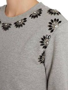 Different types of stylish kurti neck designs - ArtsyCraftsyDad - Her Crochet Fashion Details, Diy Fashion, Ideias Fashion, Fashion Dresses, Hand Embroidery Designs, Beaded Embroidery, Embroidery Ideas, Vetements Shoes, Motifs Perler
