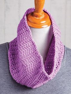 Four exclusive projects are included in this class taught by Kathy Lashley.  In this class you'll learn how to: Properly and comfortably hold your hook and yarn, find important information on the yarn label, understand a written pattern and the abbreviations used, and much more!  Order your copy here: http://www.maggiescrochet.com/products/learn-to-crochet-for-lefties-class-dvd