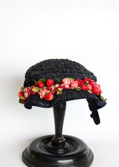 Lucious spring hat.   What to wear?