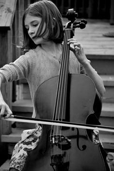 ♫♪ Music ♪♫ Child Prodigy girl play cello