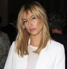 20 Different hairstyles for shoulder length hair. Top hairstyles for shoulder length hair. Gorgeous hairstyles for shoulder length hair. Medium Long Hair, Medium Hair Cuts, Long Hair Cuts, Medium Hair Styles, Short Hair Styles, Haircut Medium, Bangs With Medium Hair, Medium Cut, Updo Styles