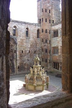 Linlithgow Palace is a large, eerie and well preserved ruin about 15 miles west of Edinburgh. It was one of the main residences of the kings and queens of Scotland until 1603, but fell into disuse and burned down in 1746.