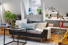 This tiny apartment design is just packed full of charm! Between the architectural design and the interior design,this home is unique from start to finish. Living Room Inspiration, Interior Inspiration, Vintage Room, Home Decor Furniture, Apartment Design, Ideal Home, House Colors, Small Spaces, Living Room Decor