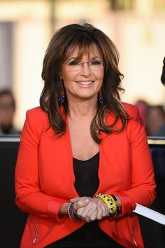 Sarah Palin Will Star in a Judge Judy-Style Courtroom TV Pilot Sarah Palin Hot, Judge Judy, Pink Costume, Candace Cameron Bure, Beautiful Old Woman, Christie Brinkley, Sexy Older Women, Julianne Moore, Lany