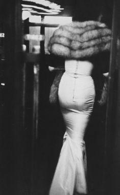 Robert Frank, Paris, 1952-_- У меня мешёк картошки СЗАДИ тихо не сдавайте меня---МНЕ нужно кормить детей