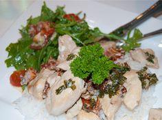 Barnematbloggen: Kremet kyllinggryte med persille og soltørket toma... Grains, Rice, Meat, Chicken, Food, Meals, Yemek, Laughter, Buffalo Chicken