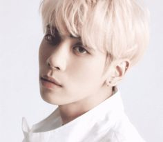 December 19, the day following the tragic death of SHINee's Jonghyun, Dear Cloud's Nine9, a close friend of the singer, released his final letter, whichhe