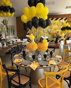 Mommy to Bee 2 Birthday, Bumble Bee Birthday, Baby Shower Parties, Baby Shower Themes, Shower Ideas, Sunflower Baby Showers, Mommy To Bee, Baby Gender Reveal Party, Idee Diy