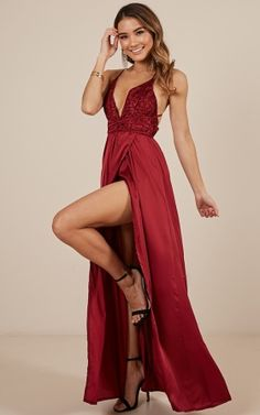 Look sleek, sexy and sophisticated in the Tied To You Dress in Wine! This backless deep red dress features a plunging neckline neckline and you'll be sure to leave an impression! Pair with some pumps and lippy for an ultimate finish. Girls Maxi Dresses, Deb Dresses, Backless Prom Dresses, Dress Prom, Formal Dresses Online, Dress Formal, Fancy Tops, Sheer Clothing, Dress Picture