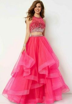 Gown Party Wear, Party Wear Indian Dresses, Indian Gowns Dresses, Dress Indian Style, Indian Fashion Dresses, Girls Fashion Clothes, Stylish Dresses For Girls, Gowns For Girls, Stylish Dress Designs