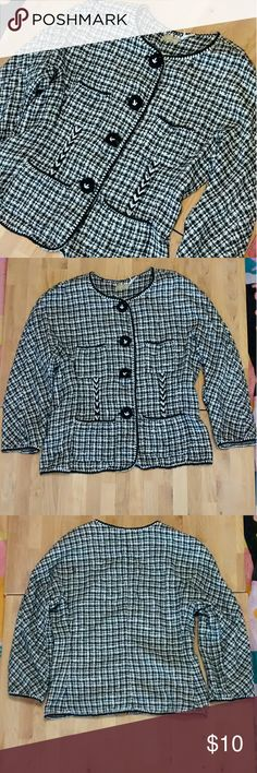 Max Studio blazer sz 4 Pre-loved but lots of wear left.  Measurements Laying flat:  Armpit to armpit: 17.5approx. Shoulder to shoulder: 15in.approx Shoulder to hem: 21in Sleeve length:18in.approx.  I offer bundle disc.! Max Studio Jackets & Coats Blazers