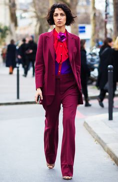 Heading to a wedding outside of summer? Fear not—we've got some stellar winter wedding outfits that will keep you warm and chic. Fashion Mode, Bold Fashion, Fashion Week, Girl Fashion, Fashion Trends, Paris Fashion, Style Fashion, Fashion Editor, Bridal Fashion