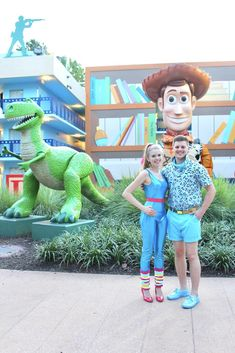 47f534b2 This is the best cosplay ever Disneyland Costumes, Disney Couple Costumes,  Best Couples Costumes