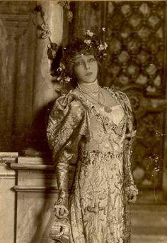 La comédienne française Rosine Bernard dite Sarah Bernhardt