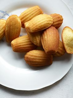 Madeleines Recipe from @leitesculinaria