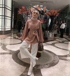 You're the most beautiful dress I've ever worn 🖤 – Hijab Fashion Hijab Fashion Summer, Modest Fashion Hijab, Modern Hijab Fashion, Street Hijab Fashion, Muslim Fashion, Fashion Outfits, Modest Outfits Muslim, Dress Fashion, Style Fashion
