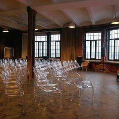 """Сегодня Fotofaktura проводит у себя саммит транснациональной компании 😉  Зал """"Маросейка"""" готов к приходу гостей! ✨  #fotofaktura #лофтукремля #фотофактура #fotofaktura_event #fotofaktura140 #арт #творчество #Moscow  #loft  #лофтвмоскве #вечеринкавлофте #свадьбавлофте #фотосессия #фотосессиявлофте #лофтвмоскве #лофтнамаросейке"""