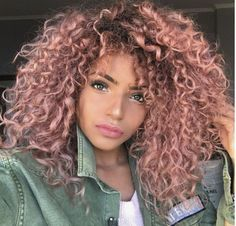 The 20 rose gold hairstyle idea below includes both short and long hair. The 20 rose gold hairstyle idea below includes both short and long hair. Curly Pink Hair, Curly Hair With Bangs, Colored Curly Hair, Short Curly Hair, Curly Hair Styles, Natural Hair Styles, Natural Curls, Black Girl Pink Hair, Black Girls