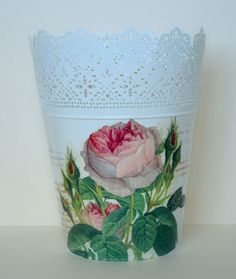 . Shell Ornaments, Decoupage Ideas, Plastic Planter, Shabby Chic, Creations, Planters, Diy, Crafts, Boxes