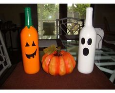 DIY Wine Bottle Pumpkins  Recycle Your Alcoholic Beverages to Make Ghostly Halloween Decorations (GALLERY)