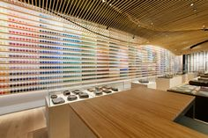 This November, a storefront in Tokyo presented an exciting new concept for art supply shops. Learn what makes it special online.