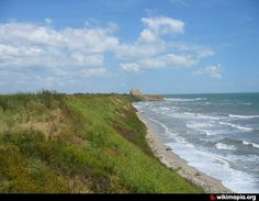"Romania: Dobrogea HangGliding Catalog - ""Golful Francez"", Costinesti, Constanta Cliff that allows hanggliding flights during in the sea breeze. Take-off and flight. Cliff, Romania, Breeze, Sea, Places, Water, Outdoor, Beauty, Gripe Water"