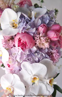 waterfall size bouquet *surcharge will be applied