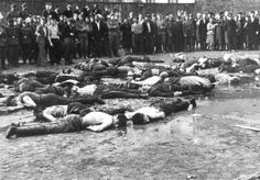 The Lietukis Garage massacre. Crowd views the aftermath of a massacre at Lietukis Garage, where pro-German Lithuanian nationalists killed more than 50 Jewish men. Historia Universal, Jewish History, Lest We Forget, World War Two, Historical Photos, Jewish Men, Death, Kaunas Lithuania, Lithuania